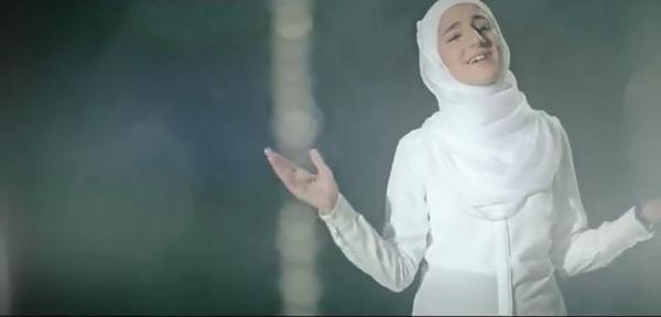 RT @ur_ros7: #القلب_ينادي #عمر_الصعيدي #لين_الصعيدي #محمد_بشار #ديما_بشار #بلال_الكبيسي #نواره_الكبيسي #مايا_الصعيدي 😭❤️ http://t.co/7VCfyV4syR