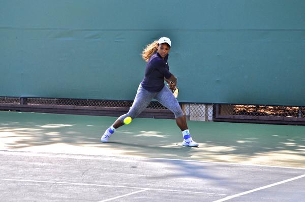 She's here! @serenawilliams hits the practice courts as she aims for her 3rd #BOTWClassic title! http://t.co/TqooHeO0Fr