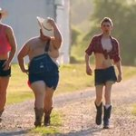 City girls at Country Concerts http://t.co/kdFFWwGoBB