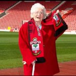 RT @Now__Football: BREAKING: Liverpool to bid £15m for Southampton tea lady. http://t.co/uJduRa678r