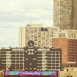 "RT @Cardinals: #STLCards Waino gets a ""W"" and Wrigley hangs an ""L"" for passerbys to see. http://t.co/lKJWJFGeqW"