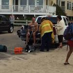 Diver revived after being struck unconscious by lightning at Venice Beach http://t.co/juGqPiC8Gy Pic via @Venice311 http://t.co/s5dmzpnTrG
