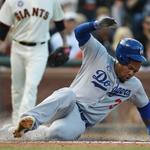 Dodgers beat Giants, 4-3, complete 3-game sweep. LA takes 1½ game lead over SF in NL West. http://t.co/Bk1du4tixX