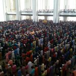 What an amazing atmosphere for Eid Prayers at Putrajaya, Malaysia with 25 000+ brothers and sisters. Truly memorable. http://t.co/gGFBJ4ndW0