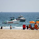 RT @mashable: Man Dies After Lightning Hits California Beach - http://t.co/IIsfAnFYzJ http://t.co/1IsMvhqtNE
