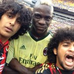 RT @paddypower: Why always Mario? Only Balotelli would pose for a selfie with some pitch invaders.. http://t.co/MMFLUG0exY