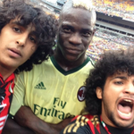 RT @FootballFanCast: #PitchInvasionSelfie with Mario Balotelli. These two guys might have the worst barnets in town though... http://t.co/7i0kv9CxfM
