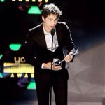 Do u have any pics from dylan with his award ?? :D #VoteDylanOBrienForTvVillain http://t.co/ct8IhNETKH