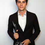 RT @UpdateTeenWolf: 27.07.2012 || Dylan obrien avec son prix au Young Hollywood Award (3) http://t.co/ct3l9H21HF