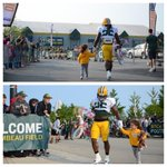 Im dying/my ovaries/omg/adorable. RT @packers A new twist on an old #PackersCamp tradition. http://t.co/kRW2lgK6Rq