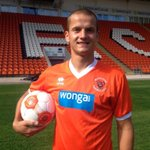 Then there were ten! Blackpool sign Tomasz Cywka. Unbelievable scenes http://t.co/6sj2kOnF9H