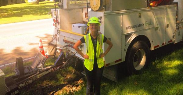 Gwen's learning about gas operations jobs in her @AmerenIllinois Fleet Services internship. http://t.co/VYIzZqOcBa http://t.co/e6JVioQN9k