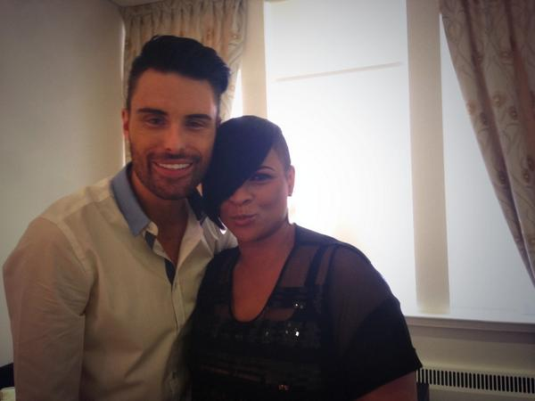 The only person ill let in my dressing room when I haven't got me lippy on... @Rylan love you!!! X http://t.co/m7V2Y30NqQ