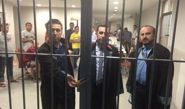 Defense lawyers for police chiefs were locked in the holding cell in the courthouse. Unusual & illegal practice