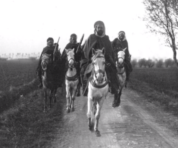 Moroccan Spahis riding in Belgium during WW1, via 'The Global War' by @WW1uncut => http://t.co/OS4LjQL4m5 http://t.co/iln33mIkaz