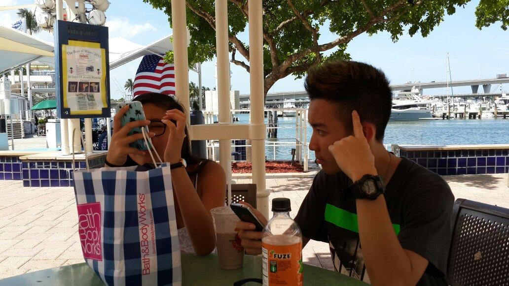 @Gavin_MJ lg di pier Miami. ..istirahat. .puannasssss bgt udaranya http://t.co/VlynoGw55S