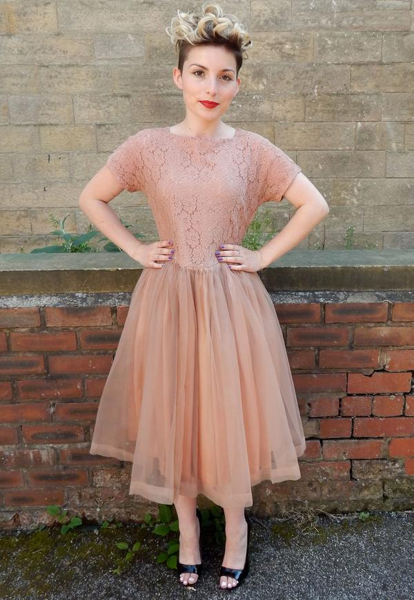 Emma from My Vintage (@emmabphilosophy): Just the most amazing 1950's tulle vintage dress <3 #vintage #50s #love http://t.co/bcQBDEcfD9