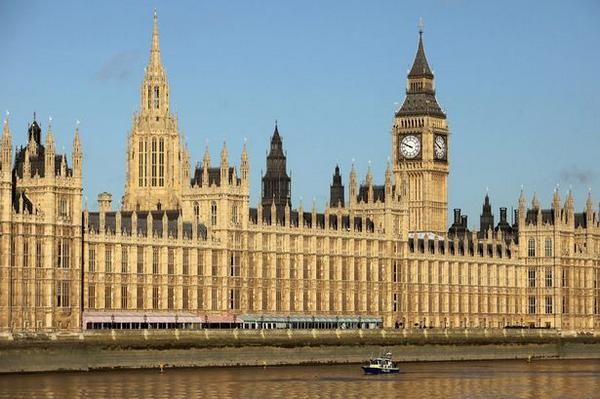 House of Commons chiefs spend more than £160,000 of taxpayers' cash on 1,500 TVs