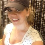 "RT @NatalieStovall: .@JessicaNorthey ???? hard to see the ""locks"" today! Wearing a Boston @redsox hat & polka dots! http://t.co/Ne3B7kEQ3l"
