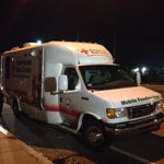 RT @AlyshaNECN: The @RedCrossMA mobile feeding unit just arrived at #Revere Beach Pkwy to help residents w/out power & workers @NECN http://t.co/AMnb7eH01q