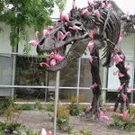 Lawn flamingos can pick a T-Rex clean in under 90 seconds. https://t.co/9NCZQe4ZWr #skull #skulls #skeletons #art http://t.co/lffaiVJL6t