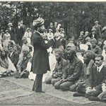 RT @IndiaHistorypic: 1915:Muslim Soldiers of British Indian Army listening to Eid Khutbah(sermon) in Working Mosque on Eid ul Fitr, London http://t.co/NGdBrw3ynw