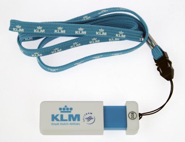 Want to #WIN a KLM USB & Keyring combo? Follow us & RT with #KLMSummer! http://t.co/K51iJXBWpV