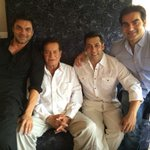 RT @ZoomTV: Oh Fresh! - @BeingSalmanKhan with his dad, @arbaazSkhan and Sohail Khan http://t.co/oNFJBPjepA