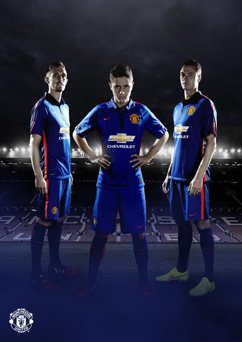 Btu8LIACAAAc0Dj Man United unveil new blue third kit set to be first worn in friendly v Inter tonight [Pictures]