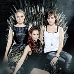 And all is right when Unicorns sit upon the Iron Throne. @alisonhaislip @Rileah @ClareGrant #EWCCPARTY #SDCC #GoT http://t.co/lTIUknE4Y0