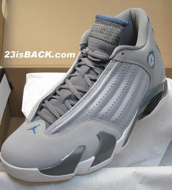 """RT @Antawayne: """"@SneakHeat: there's only a few more kicks I need to cop this year..."""" Starting with these 😩😩😩😩 http://t.co/IeaBmxevna"""