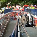 Anther pic of overturned car in Elephant & Castle subway http://t.co/L21XRjFJW5