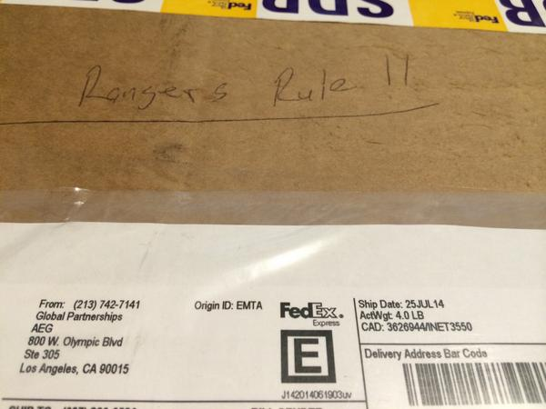 To the @FedEx guy who delivered this package I love the passion but this ain't '94. @lakings #champs http://t.co/kQvaXCgJFj