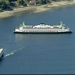 RT @KIRO7Seattle: Chopper 7 over state ferry Tacoma which has lost power heading to Bainbridge, WATCH LIVE http://t.co/Dr5JrNy2xi http://t.co/QVaMB58iZh