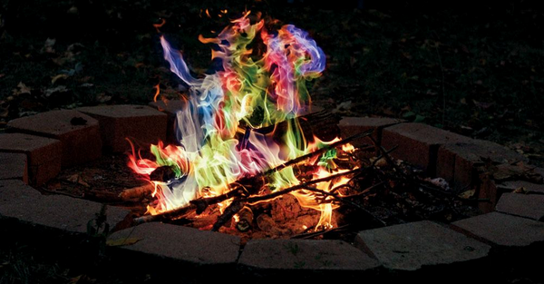 Upgrade your next #campfire with these Rainbow Flame Sticks! http://t.co/29cEohSrtT http://t.co/wkUxExJw5P
