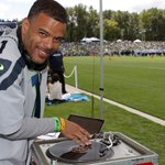 What music do the Seahawks practice to? @dvone provided a couple training camp playlists: [http://t.co/LoT7mfltcX] http://t.co/wgHt5bVogg