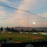 RT @VicPlaybyPlay: Beautiful sunset in Wenatchee. @HarbourCats http://t.co/znc9flEv5E