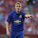 RT @ManUtd: PIC: Darren Fletcher is wearing the captains armband again this evening. #mutour http://t.co/h0ONq9XlO4