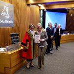 @katebridges11 officially an Australian Receiving her certificate from Mayor @MayorJodieH at City Lake Macquarie http://t.co/Jrti6j5PXO