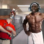 Hey @TTUKingsbury, if you ever try to take a pic without your shirt on again, Charlie Strong will end you. http://t.co/Lqujicz7CQ