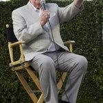 """@Dodgers: Viva Vin! Scully to return to Dodgers in 2015! http://t.co/OVlj4IdHnE http://t.co/KL13nz2CfM"" HOLY FUCK YES"