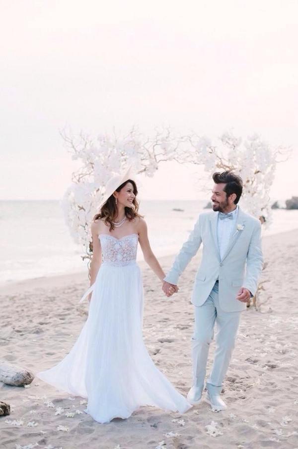 Beren Saat & Kenan Dogulu evlendi, Bir omur boyu mutluluklar dileriz :) http://t.co/qGbmxyAGbh