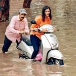 RT @tterIndia: This Father daughter duo Enjoying the Ache din model of Gujarat :-) http://t.co/JIyRDACBVY
