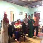 RT @daiyantrisha: So many people at my kampung in Kuantan! I love Raya! ???????? http://t.co/27eHycaVBW