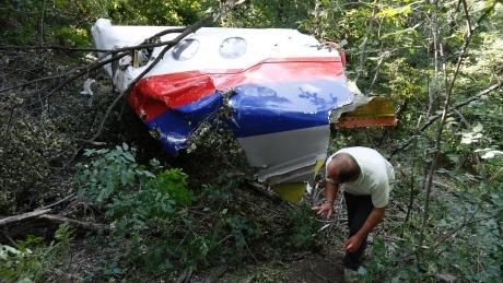 Malaysia Airlines MH17: Observers turned back from crash site again