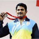 Indian Army Stars at Glasgow: Hav Chandrakant Mali wins Bronze Medal in Mens 94Kg Weightlifting. #IndainArmyatCWG http://t.co/9Og6NCGeDu