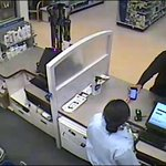 Man suspected of robbing Wash. pharmacy with his iPhone http://t.co/64gXnR7qRg #LiveonK2 http://t.co/PtwrIzw3QN