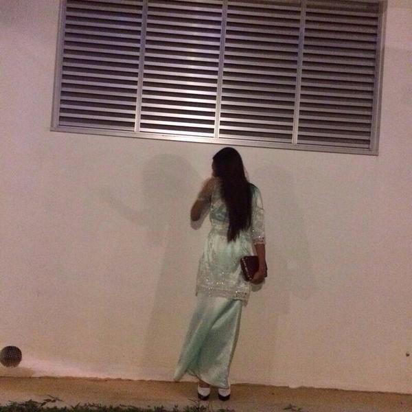 """""""Ni seram.. @MuhdNqiuddin: haa dah cakap jgn tangkap gambar malam2 rt """"@medialah: Perhati bayang2. Lokasi, Sngapura http://t.co/2L0bmhZSZ7"""""""""""