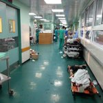 Here, 2 operations in every room,  and other injuries waiting on the floor. #Shifa #Gaza http://t.co/m2nZEpkU2n