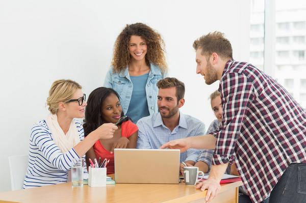 対人関係を円滑にするための方法  1.過剰に背伸びをしない 2.人と自分を比較しない 3.聞き役に徹する  特に3.が重要で人の話を聞いてあげられる人がコミュニケーション上手と言えます。  http://t.co/yuYJoKQn4Z http://t.co/wxQSmDnbrN